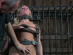 Intense Moments for a SlaveGirl (2on4) OtO